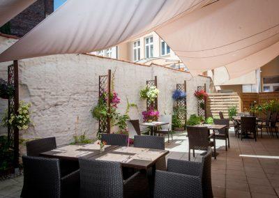 restauracja-pijarska17-ogrodek