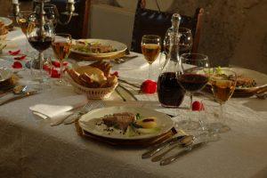 korzkiew_castle_dinner